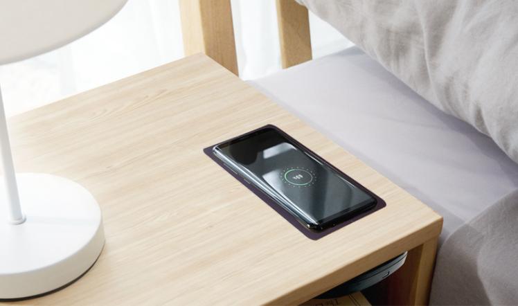 桌面隐藏式无线充电器